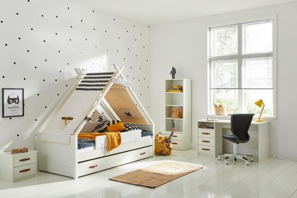 Ledikant met hemel van de kinderslaapkamer en tienerslaapkamer collectie van Coolkids meubelen.